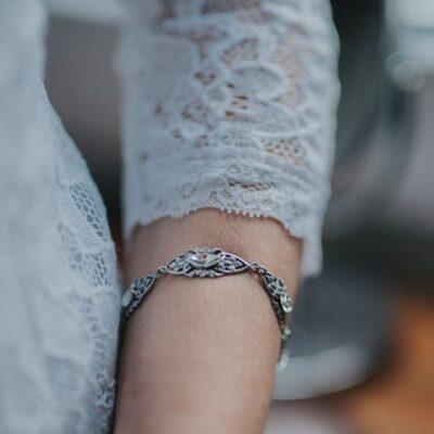 Bransoletka ślubna ze srebrną koronką i kryształem Swarovski - retro glam
