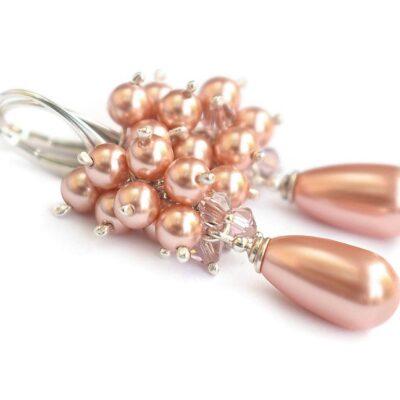 Kolczyki ślubne z perłami - brzoskwiniowo-różowe gronka z perełkami Swarovski