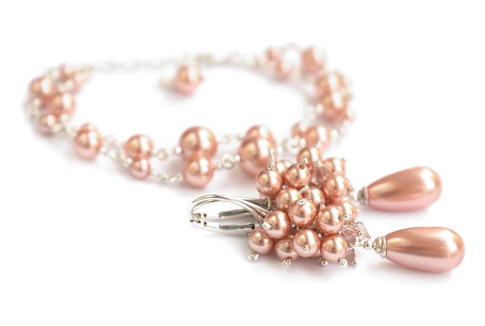 Komplet biżuterii slubnej - brzoskwiniowo-różowe gronka z perełkami Swarovski