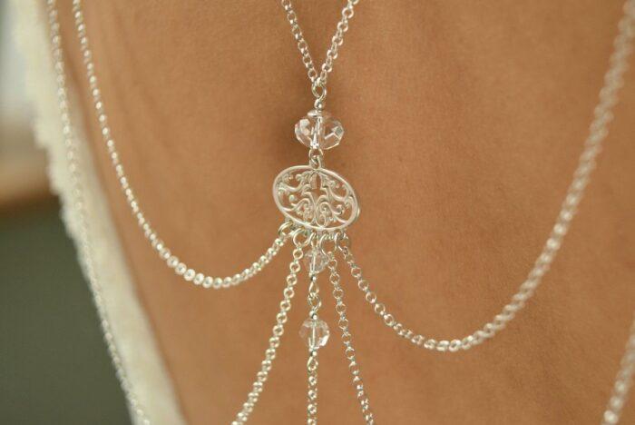 Ślubne łańcuszki na plecy - Arabesque Crystal - detal