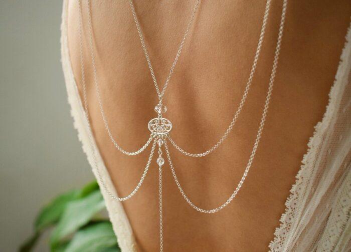 Ślubne łańcuszki na plecy - Arabesque Crystal - zbliżenie