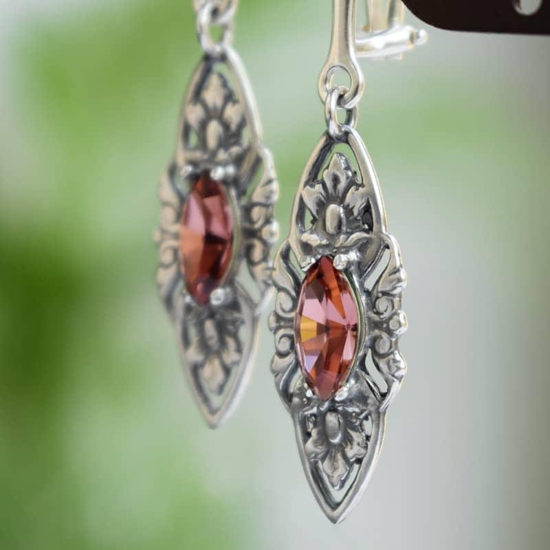 Klipsy ślubne w stylu retro - stare srebro i kryształy Swarovski (pudrowy róż)