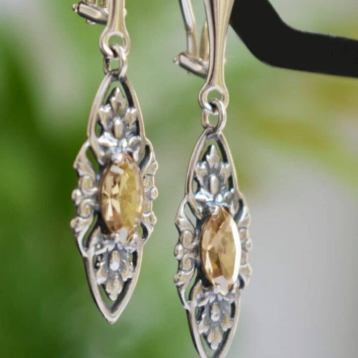 Klipsy ślubne w stylu retro - stare srebro i kryształy Swarovski (Golden Shadow)