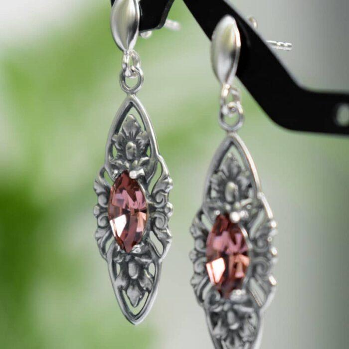 Kolczyki ślubne w stylu retro - stare srebro i kryształy Swarovskiego w pudrowym różu