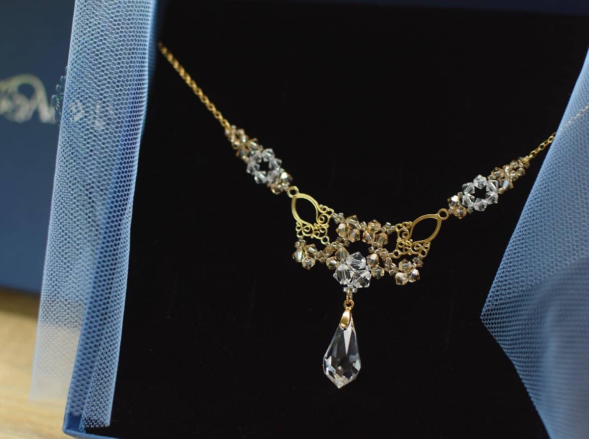 Pozłacany naszyjnik ślubny z kryształami Swarovski Crystal Golden Shadow